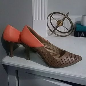 Tan and coral size 9w heels
